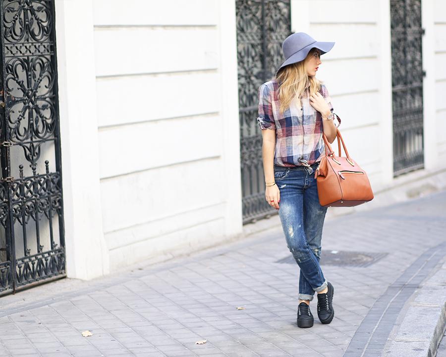 look_victoria24