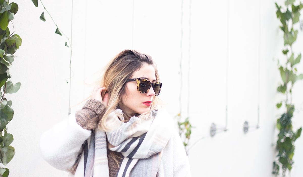 look-white1